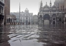 Venezia acqua alta thumb